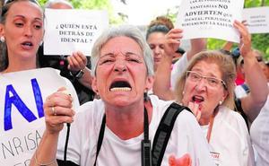 Afectados por iDental llevan sus protestas al ministerio
