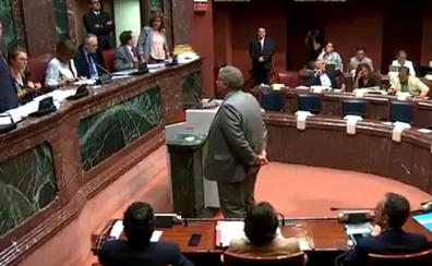Francisco Bernabé jura su cargo como senador