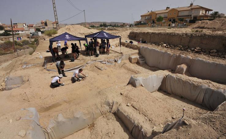 El trabajo de los voluntarios en el yacimiento de El Salitre, en imágenes