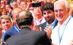La delegación murciana en el congreso del PP apuesta fuerte por Pablo Casado