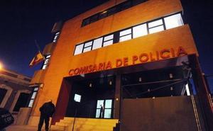 Detenido un joven de 21 años por pegar y amenazar a su pareja en Murcia