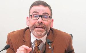El juez avala la expulsión de López de un Pleno por su lenguaje «insultante»