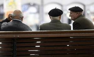 Los pensionistas murcianos cobran 823 euros al mes de media