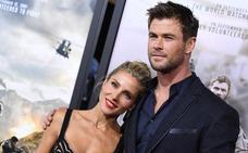 Los escoltas de Elsa Pataky y Chris Hemsworth acaban a puñetazos con la prensa española