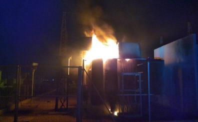 Un incendio provoca una explosión en una estación eléctrica en San Pedro del Pinatar