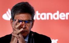 Santander amaga con llevarse sedes fuera de España por el impuesto a la banca