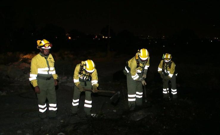 El entorno del Castillo de Lorca vuelve a arder por tercer día consecutivo