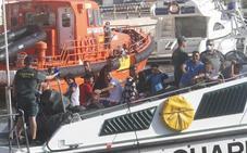 Rescatan a 37 personas a bordo de dos pateras frente a la costa de Cartagena