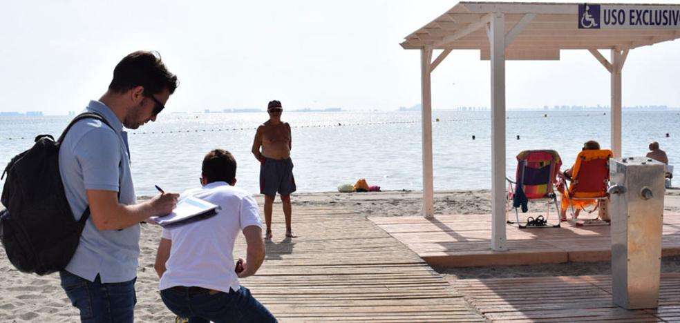 Diecinueve playas no están adaptadas para el baño de los discapacitados