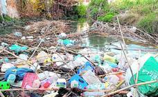 La 'basuraleza' también salpica la huerta de Murcia