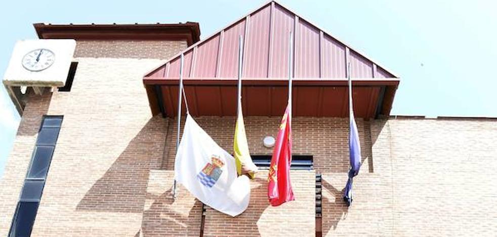 El PP denuncia el enchufismo de Clavero por contratar a dos personas de la ejecutiva del PSOE