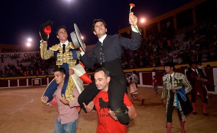 Diego Ventura pone el espectáculo en Calasparra y corta tres orejas y rabo