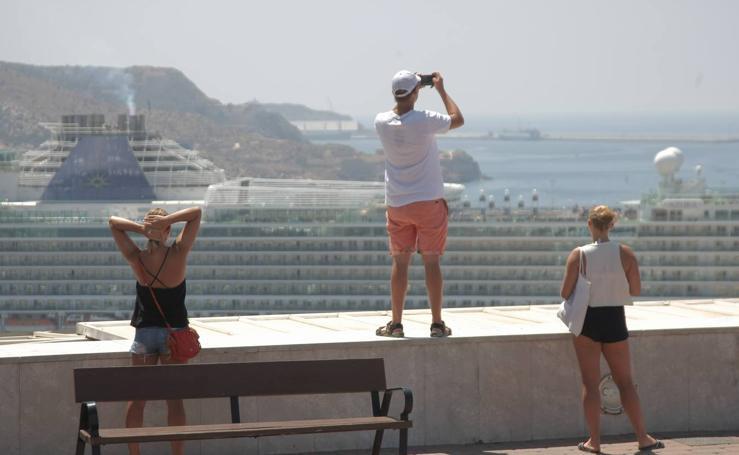 Doce mil pasajeros en Cartagena para iniciar agosto