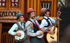 'Yee Haw', músicos y clowns
