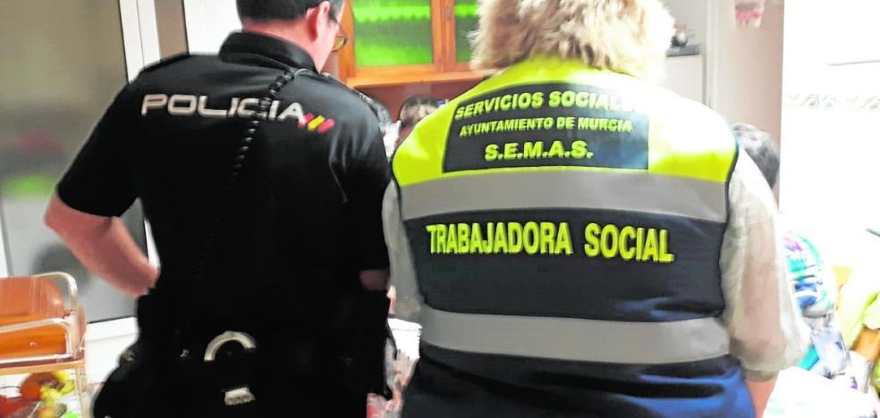 Detienen en Murcia a una cuidadora que vejó a dos mujeres