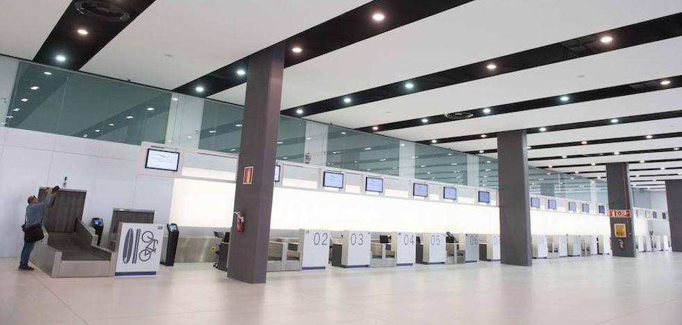 Los empleados y proveedores de San Javier mantendrán sus derechos al pasar a Corvera