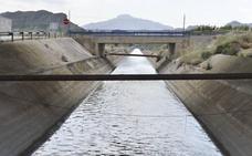 Los técnicos dejan en manos de la ministra cuánta agua se trasvasará en agosto