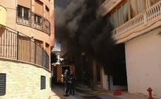 Apagan un incendio en un garaje de Alcantarilla