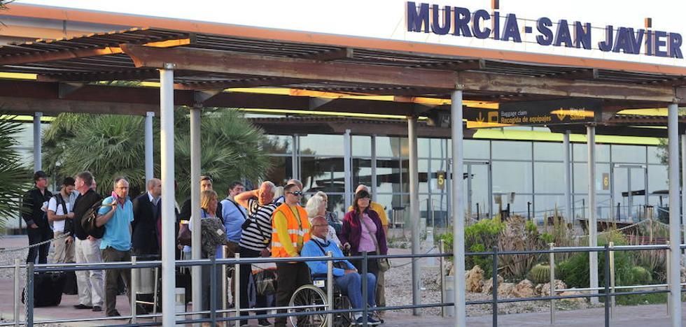 Fomento y Defensa trabajan para cerrar San Javier al tráfico comercial el 14 de enero