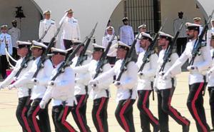 El nuevo jefe de la Fuerza de Protección de la Armada llega con ánimo renovador