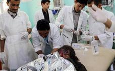 Decenas de muertos y heridos por un bombardeo contra un bus escolar en Yemen