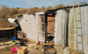 Sofocan un incendio en una chabola de Los Mateos frecuentada por drogodependientes