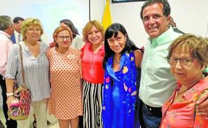 El candidato del PSOE arropa a los ecuatorianos en su fiesta