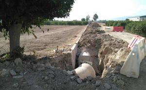 Huermur denuncia el entubamiento de cauces de riego en Cobatillas