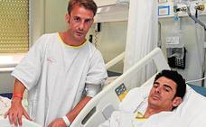 José Manuel y Juan Carlos Benítez evolucionan de sus cornadas en el hospital