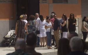 Familiares y amigos dan el último adiós a Paco Martín