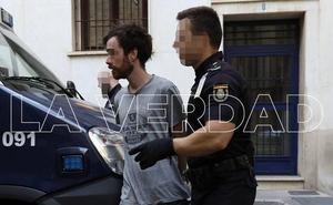 Libertad con cargos para el acusado de atrincherarse en su casa de Patiño