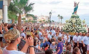 La Asunción abre sus brazos al Mar Menor