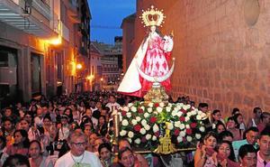 La comunidad ecuatoriana se entrega a su Patrona con una multitudinaria procesión