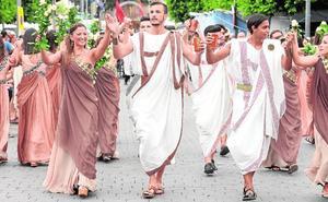 Mil festeros reviven la Historia en Fortuna