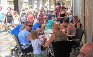 Bares y hoteles de Cartagena recuperan ingresos, mientras las tiendas continúan a la baja como en julio