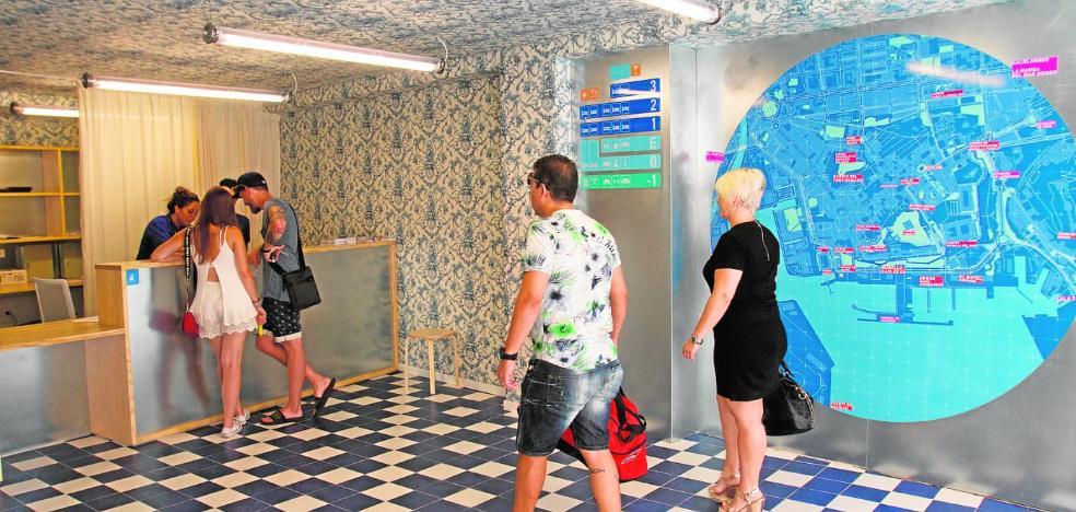 La apertura del hotel del barrio universitario de Cartagena impulsa ya el turismo juvenil y el familiar