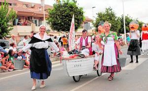 Huertanos y carros colorean Los Alcázares