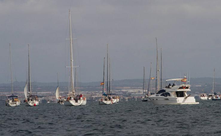 Más de medio centenar de barcos en la protesta contra Tomás Maestre