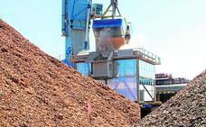 Las mercancías sólidas tiran del puerto de Cartagena
