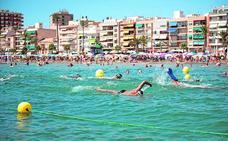 La playa del Puerto estrena un canal de nado en aguas abiertas