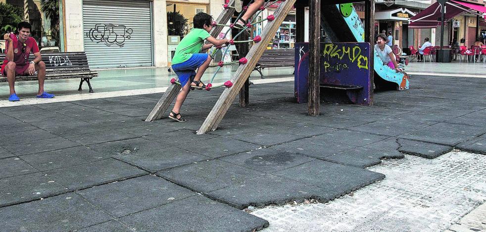 Ofensiva para renovar y hacer más seguros los parques infantiles de Cartagena