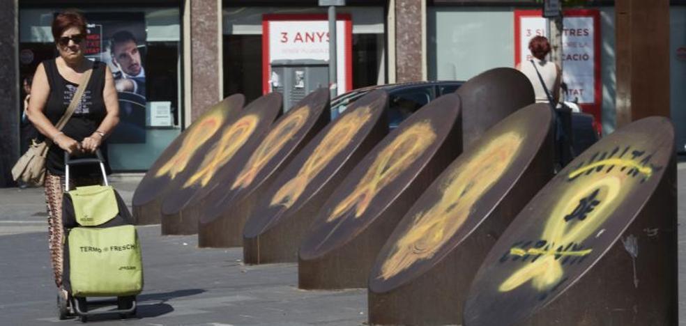 La Fiscalía investiga a los Mossos por identificar a quienes retiran lazos amarillos