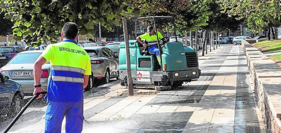 FCC plantea comprar máquinas y contratar personal ya para mejorar la limpieza urbana en Cartagena