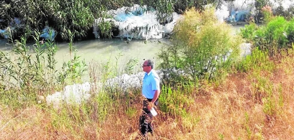 La CHS confirma los vertidos de aguas residuales de la depuradora y un colector de Las Torres