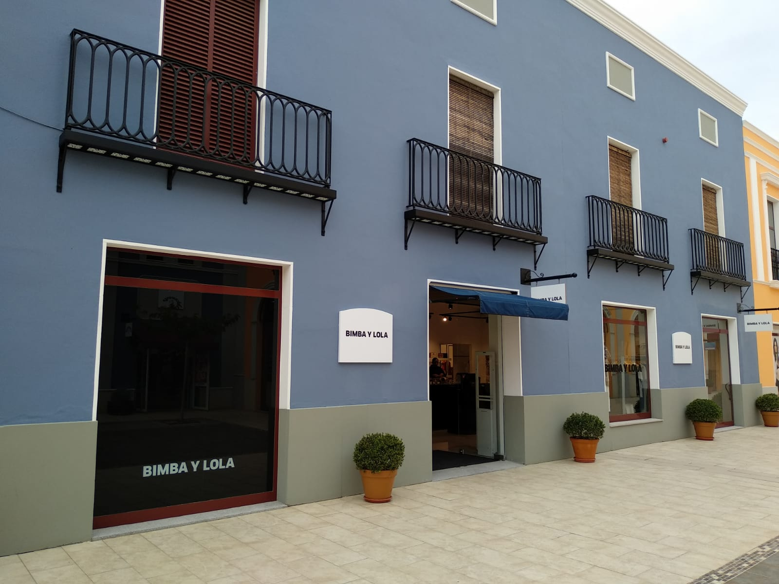 Bimba y Lola amplía su tienda outlet en el centro La Noria