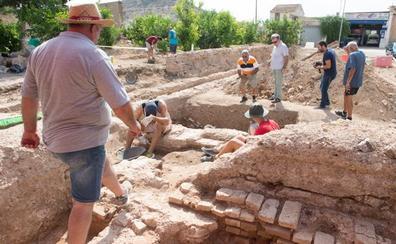 Los arqueólogos creen que hay otro palacio del siglo XII junto al lago del Castillejo
