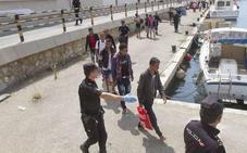 Rescatados 23 ocupantes de dos pateras en la costa de Cabo de Palos