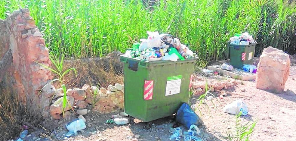 Criticas al servicio de recogida de basura de Abanilla