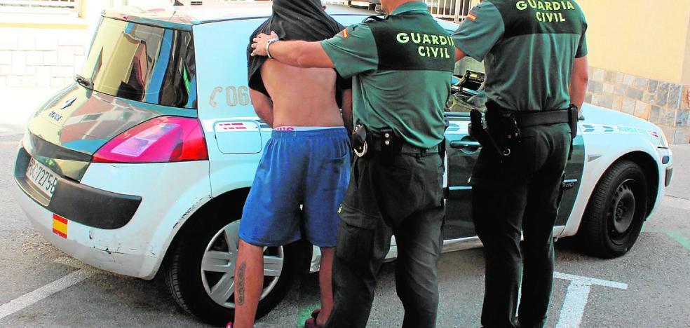 A prisión el ladrón que perpetró decenas de robos en Alguazas y Las Torres armado con cuchillo
