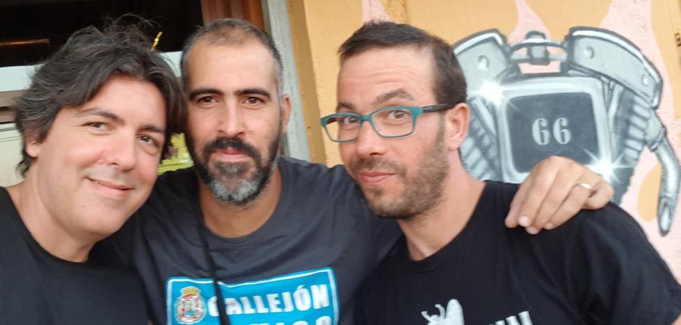 El guitarrista de un grupo cartagenero fallece mientras daba un concierto en La Aparecida